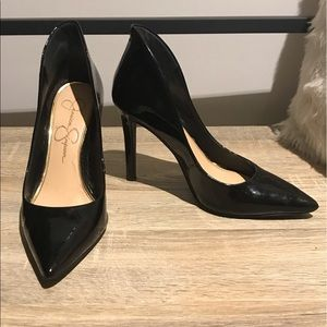 Jessica Simpson Cambredge Black Patent Pumps